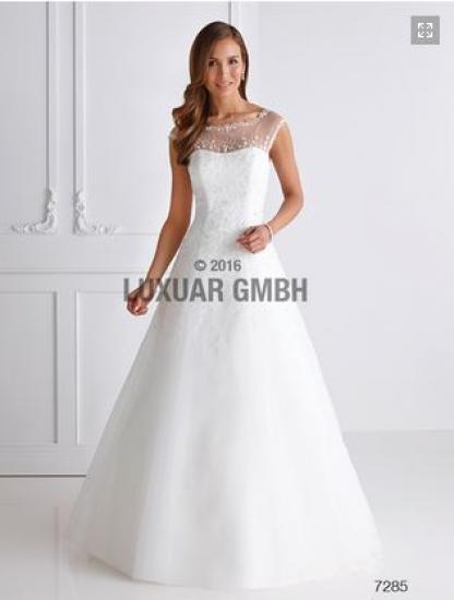88a7ec2885a Svatební šaty - JUSTINE - Plesové šaty AKCE