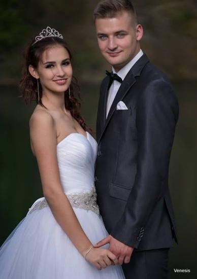 e32ece4eabc Pánské obleky - P.Alina.176 100 - Plesové šaty AKCE
